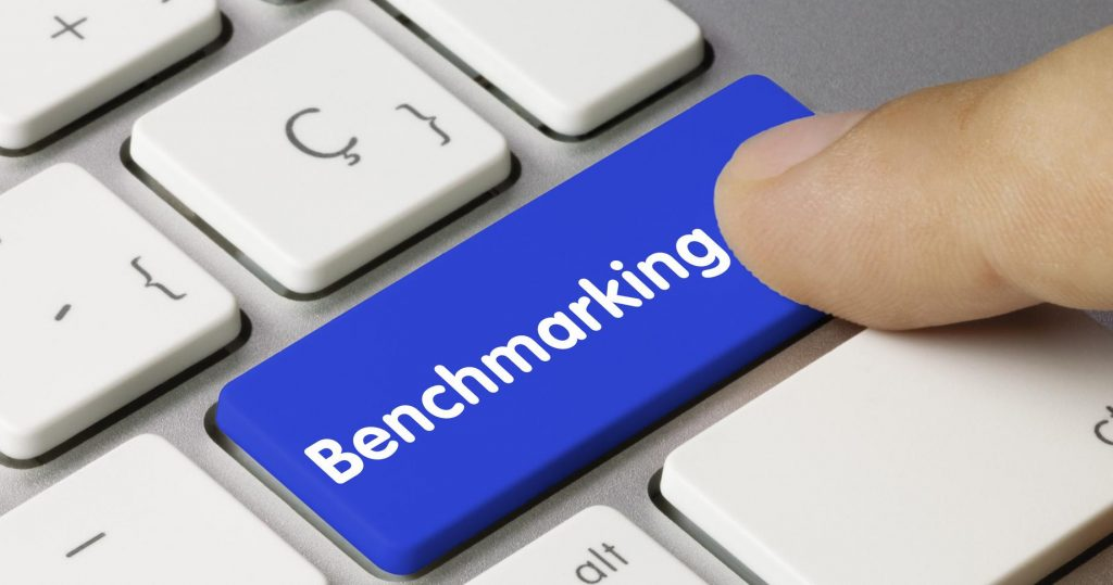 Benchmarking and Independent Contractors in Canada